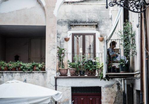 """Foto di Elisabetta Brian – """"Istantanee da Castelbuono"""" – progetto Design in Town"""